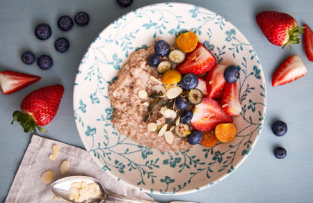 berry oats bowl